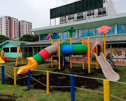 Miniatura-Centros-Educativo-Los-Angeles-Playground-4